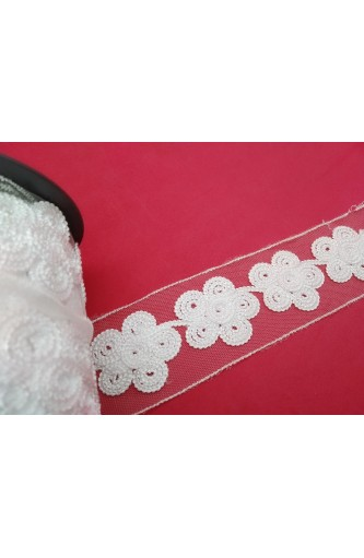 Macramé lace partition white flowers up to 55 mm piece 8-meter stok